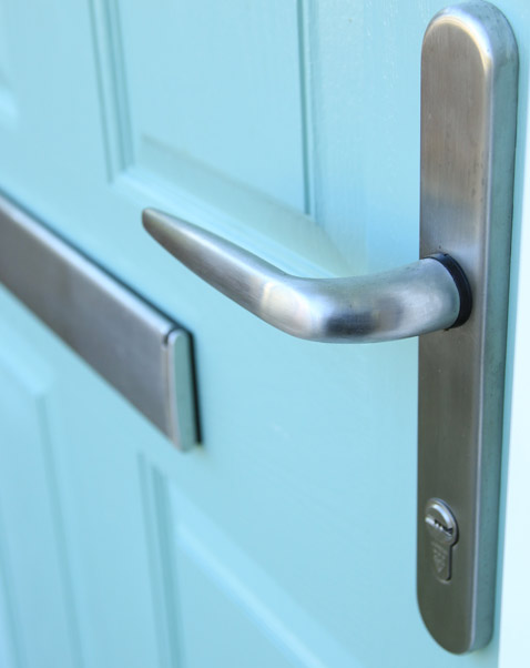 Composite front door handle and letterbox